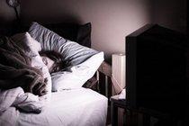 Включенный свет во время сна ведет к депрессии