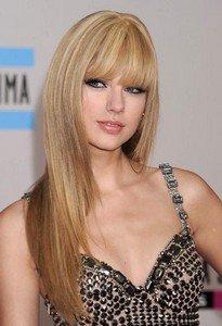 Тейлор Свифт с прямыми волосами