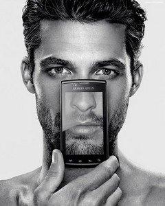 Мобильный телефон от Джорджио Армани