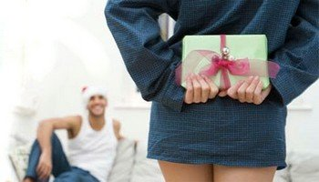 Преимущества электрической бритвы перед другими подарками на Новый Год 2014