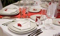Правильная сервировка стола тарелками