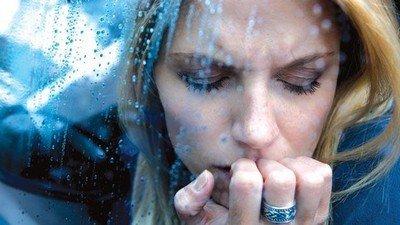 При сезонной депрессии весь мир кажется унылым