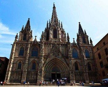 Кафедральный собор Барселоны - образец прекрасного готического стиля