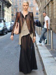 Модный верх к стильной длинной юбке