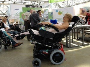 Инвалидная коляска с электрическим приводом