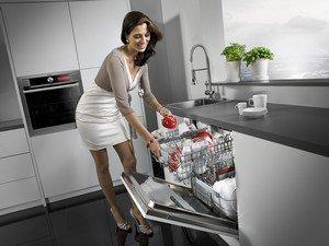 Современная кухня прекрасно помогает хозяйке
