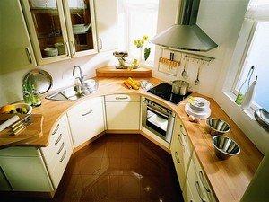 Грамотное обустройство маленькой кухни помогает освободить много места