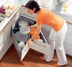 Уникальный кухонный ящик поможет сэкономить много места