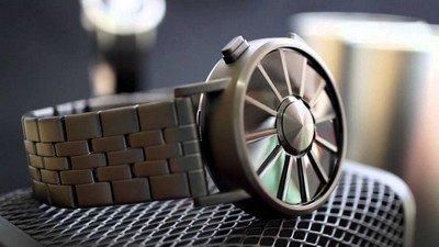 Часы «Kisai Blade Watch» от компании «Tokyoflash»