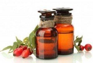 Масло шиповника - незаменимое средство в борьбе с микроморщинками