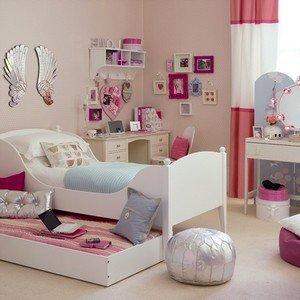 Вариант интерьера детской комнаты для девочке
