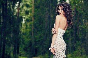 Вязаное платье идеально для прогулок на свежем воздухе