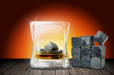 Виски-камнями - охлаждают, но не разбавляют