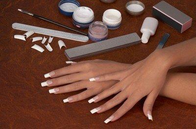 Как правильно ухаживать за нарощенными ногтями?