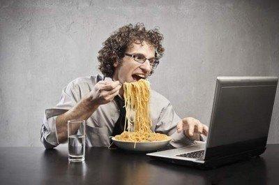 Ни в коем случае не сиди на работе голодный!