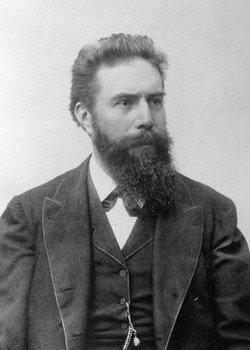 Вильгельм Конрад Рентген - первооткрыватель рентгеновского излучения