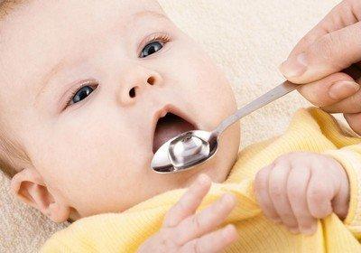 Нужно ли допаивать ребенка водичкой при грудном вскармливании?