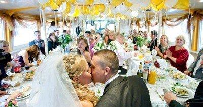 Свадебное застолье - обязательный атрибут свадьбы