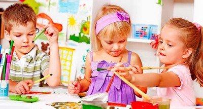 Дети в детском саду на дому находят общий контакт друг с другом гораздо лучше из-за уютной и домашней обстановки