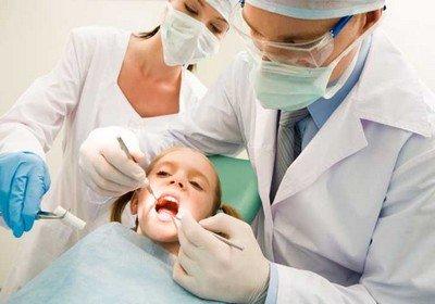 Когда обращаться к врачу-ортодонту с ребенком
