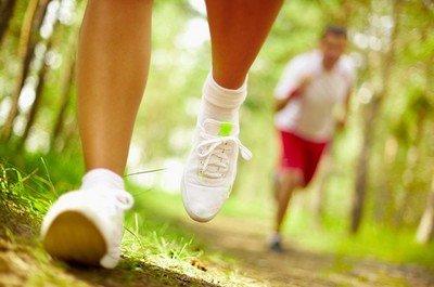 Любительская спортивная ходьба в несколько раз полезнее бега