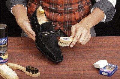 Чистим обувь универсальной чистящей пеной с экстрактом бамбука