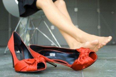 Неудобная обувь - первый шаг на пути к варикозу