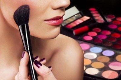 Декоративная косметика в погоне за красотой