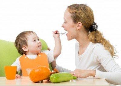 Как правильно питаться женщине после родов