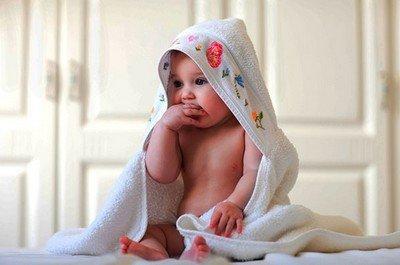 Физическое и умственное развитие ребенка в 4 месяца