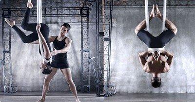Тренировка по антигравити йоге