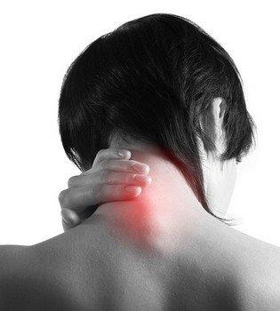 Боль в шейном отделе позвоночника - одно из проявлений неврологических расстройств при вывихах шейных позвонков