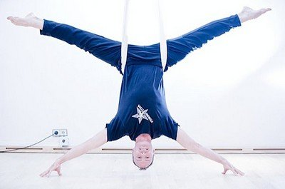 Кристофер Харрисон - основатель антигравити йога