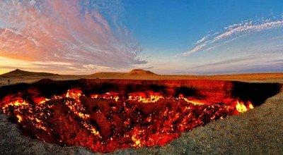 Куда поехать в самые необычные места на Земле?