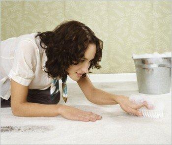 Чистка ковра средством для мытья посуды