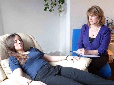 Гипнотерапия - это метод лечения заболеваний гипнозом