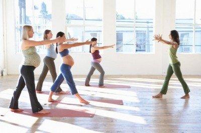 Групповые занятия физкультурой при беременности