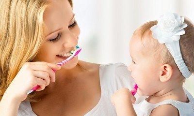 Как правильно и нужно ли вообще чистить зубы малышу?