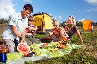 Как защитить детей от насекомых на природе?