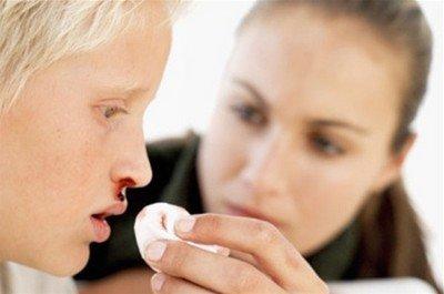 Носовое кровотечение у ребенка: стоит ли волноваться?