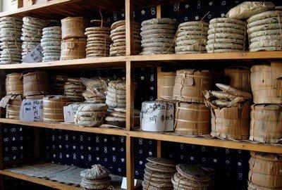 Хранение элитного китайского чая в брикетах