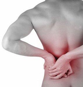 Боль в спине - распространенный симптом спондилоартроза