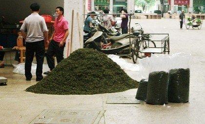 Чайный мусор на улице Китая