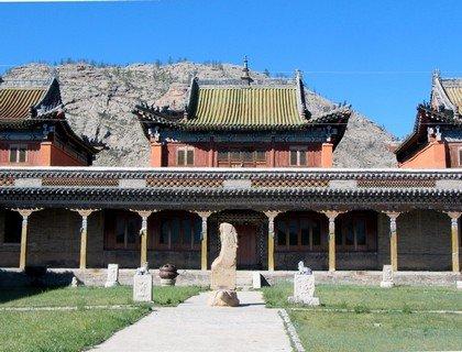 Монастырь в городе Цэцэрлэг, в котором работала вторая советская медико-санитарная экспедиция в Монголию