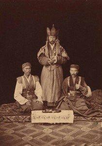 Монгольские ламы-эмчи