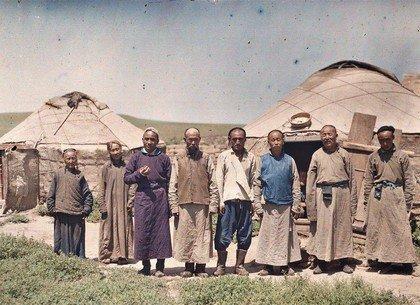 Население Монголии