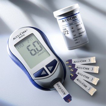 Современный глюкометр с тест-полосками