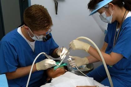 Дефекты альвеолярного гребня при имплантации и решение проблемы